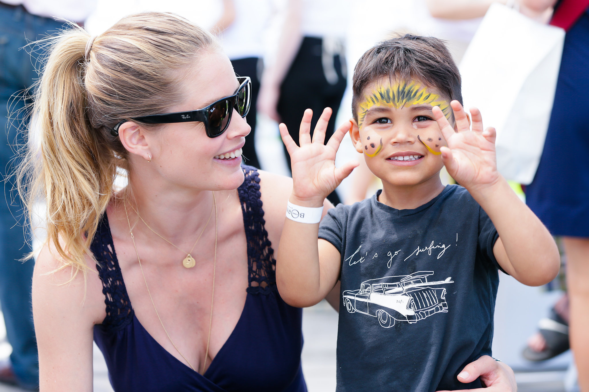 Doutzen-Kroes-played-her-son-Phyllon-James.jpg